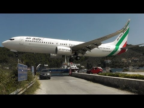 Skiathos, the Second St Maarten! Low Landings and Jetblasts – A Plane Spotting Movie – YouTube