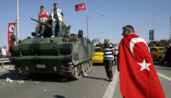 How Turkey's coup turmoil has fueled migration flurry