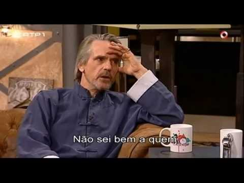 Jeremy Irons talks about Eurocrisis – Do anyone understand to who we owe so much money? (legendado) – YouTube