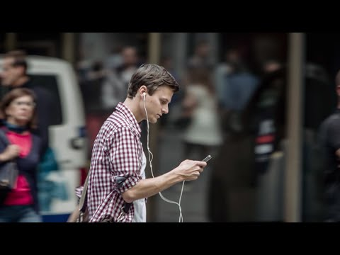 Making magic in traffic with a smartphone – YouTube