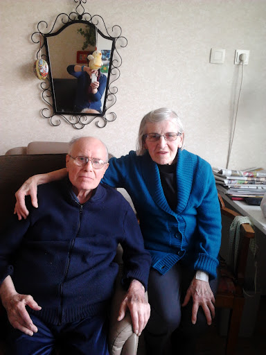 my grandfather died and my mother took pictures on his deathbed of the moment before and after h ...