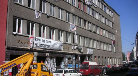 Turkish nationalists storm wrong party in Vienna – The Local