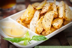 How to Make Lemon and Garlic Roasted Potatoes: 5 Steps