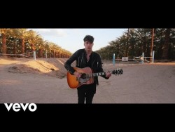 Barns Courtney – Fire – YouTube