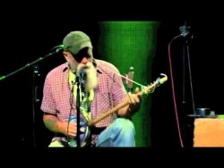 Seasick Steve – You Can't Teach An Old Dog New Tricks (Trix) – YouTube
