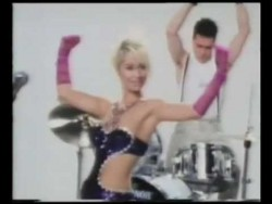 Transvision Vamp – Baby I Don't Care (1989) – YouTube