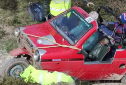 Watch crowds cheer as three-wheeled Reliant Robin scrambles up Blue Hills hill climb in St Agnes ...