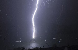 What is a Spanish Plume? Thunderstorms, lightning and downdrafts explained – Yachting World