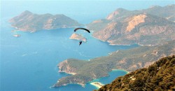 Russian tourist dies in parachute accident in Turkey's Fethiye – LOCAL
