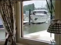 Luxury yacht crashes the docks twice while trying to moor – YouTube
