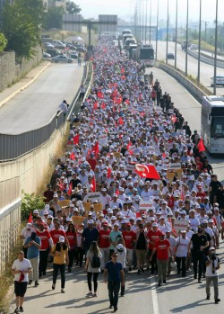 On the Road With Protesters Marching Across Turkey to Condemn Erdogan's Purge – The New Yo ...