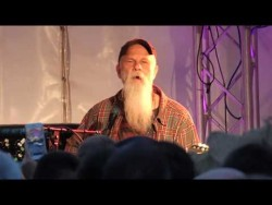 Seasick Steve at Perranporth – YouTube