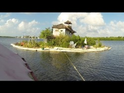 An Island made from plastic bottles by Richart Sowa – YouTube