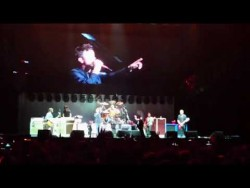 Foo Fighters featuring RICK ASTLEY – Never Gonna Give You Up – YouTube