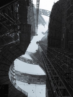 Constructing the inside of a skyscraper in Shanghai