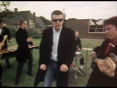 Madness – Baggy Trousers (Official Video) – YouTube