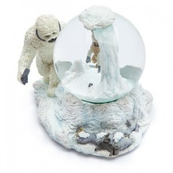 Star Wars Wampa Cave Snow Globe | ThinkGeek