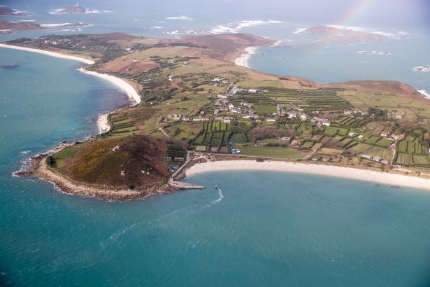 Wingly is the Uber for plane lovers and it allows you to discover Cornwall from the sky –  ...