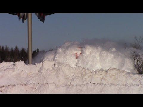 EPIC CATCH!!! Dashing Thru the Snow – CN Train 406 West at Salisbury, NB (Feb 3, 2015) – YouTube