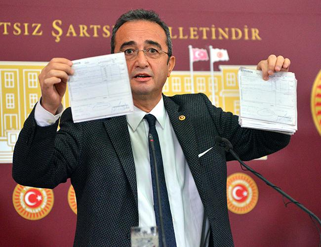 Main opposition CHP makes off-shore bank documents public
