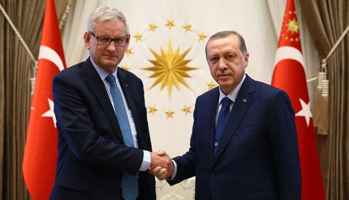[OPINION] Carl Bildt's love affair with Turkey's dictator | Turkish Minute