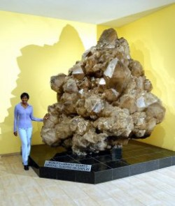 The Largest Known Crystal Cluster In The World | Geology Page