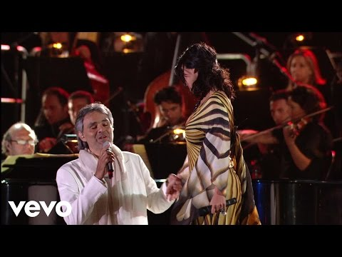 Andrea Bocelli, Laura Pausini – Dare To Live (HD) ft. Laura Pausini – YouTube