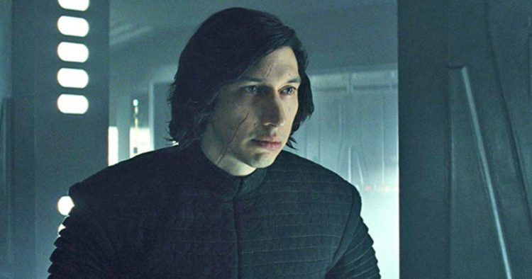People Just Can't Decide Whether or Not 'The Last Jedi' Sucks Ass or Is Cinema ...