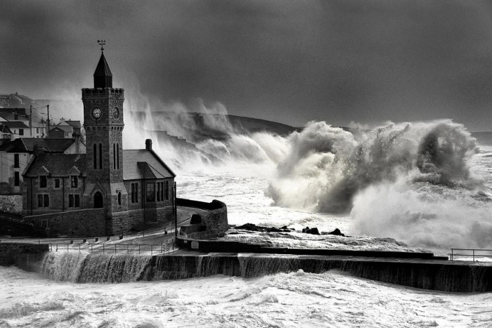 Storm Eleanor hits Porthleven (Photo: Steve Cowe)