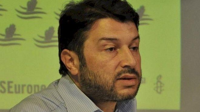 Turkey court 'reverses release' of Amnesty head Taner Kilic – BBC News