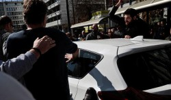 Istanbul taxi drivers hunt down, beat up Uber drivers as tensions rise