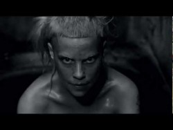 'I FINK U FREEKY' by DIE ANTWOORD (Official) – YouTube