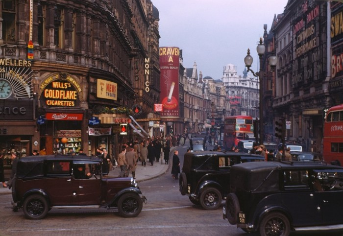 London, 1949 (this is not a colourisation)