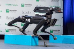 Boston Dynamics' SpotMini robot dog goes on sale in 2019 – CNET