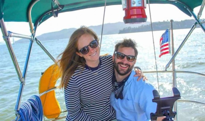 Couple sick of San Francisco rent moves to live aboard a sailboat – SFGate