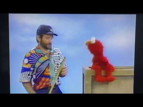 Robin Williams with Elmo on Sesame Street Bloopers
