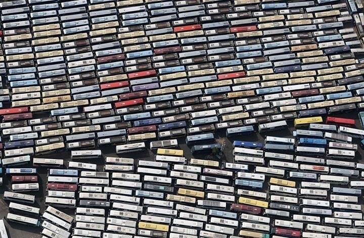 Busses carrying pilgrims in Mecca looks like cassette tapes.