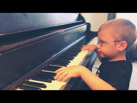 6 year old blind boy plays/sings Bohemian Rhapsody