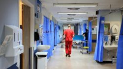 NHS looks abroad for thousands of nurses