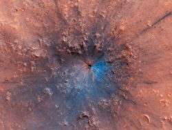 Amazing crater on Mars