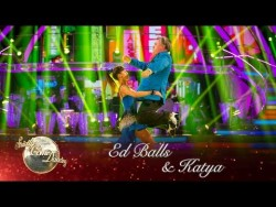 Ed Balls & Katya Jones Salsa to 'Gangnam Style' by Psy – Strictly Come Dan ...