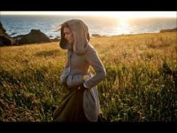 Eleanor Tomlinson – Medhel an Gwyns – YouTube