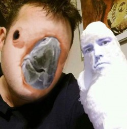 A guy face swapped with his parrot. The results are fucking terrifying.