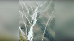 Record-breaking desert rains send waterfalls down Australia's Ayers Rock (VIDEO) — RT News