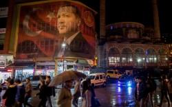 Turkey's new permanent crisis: is Erdogan abandoning the West?