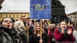 Study reveals half of young Europeans are skeptical about democracy | News | DW.COM | 04.05.2017