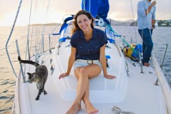 couple-addicted-to-sailboat-living-cant-imagine-a-house