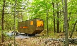 Small off-grid cabin in the outskirts of New York City