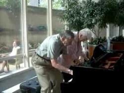 Mayo Clinic atrium piano, charming older couple… – YouTube
