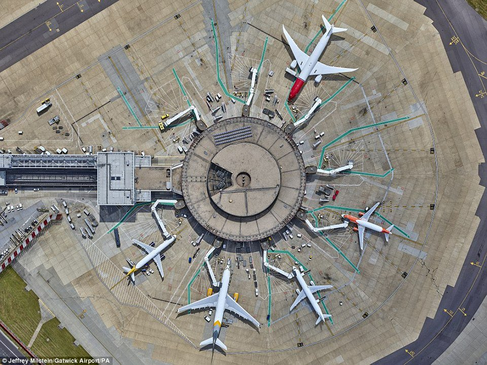 A photo of Gatwick I took this morning